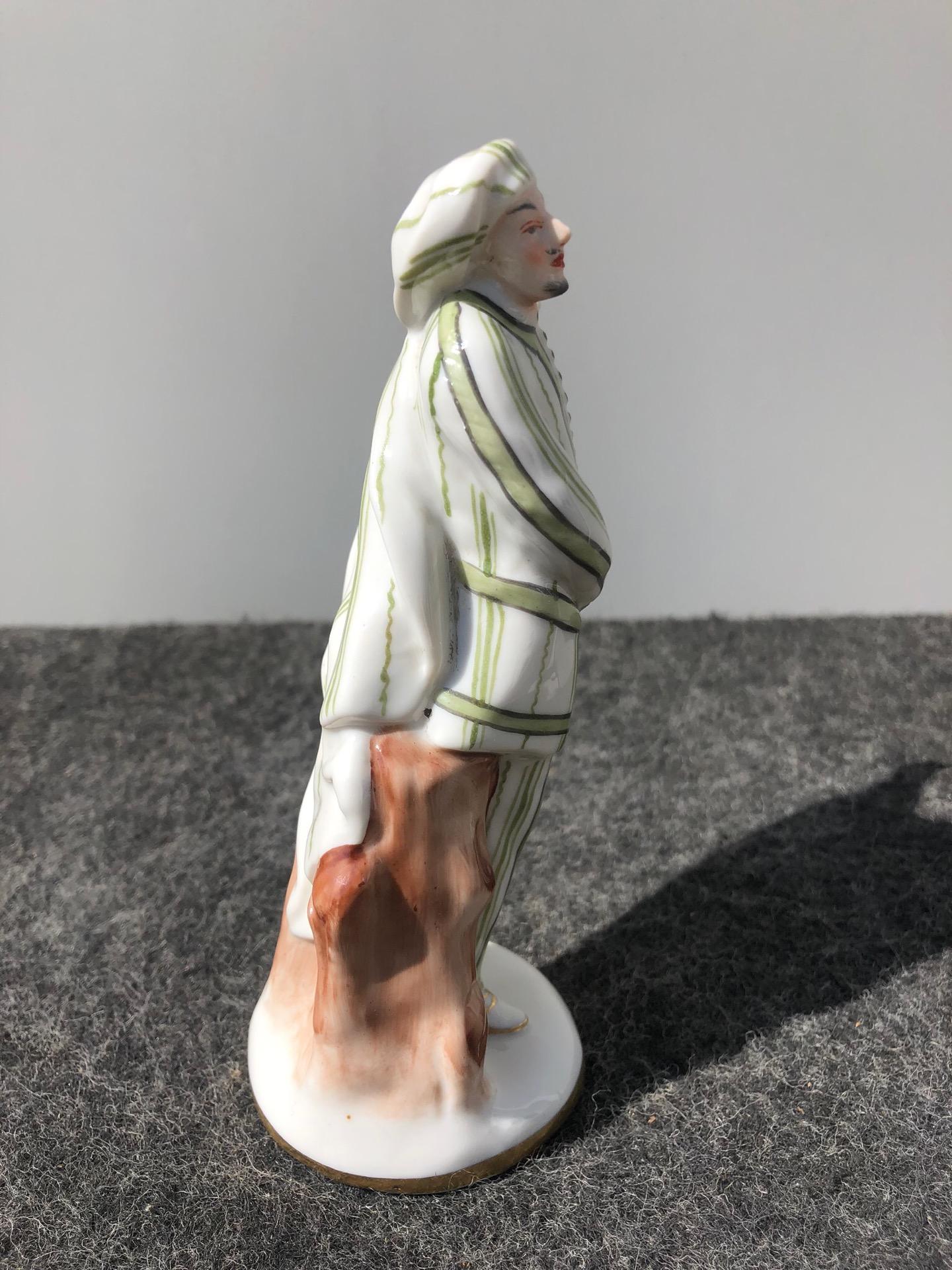 thumb4 Statuina in porcellana con figura maschile.Ginori