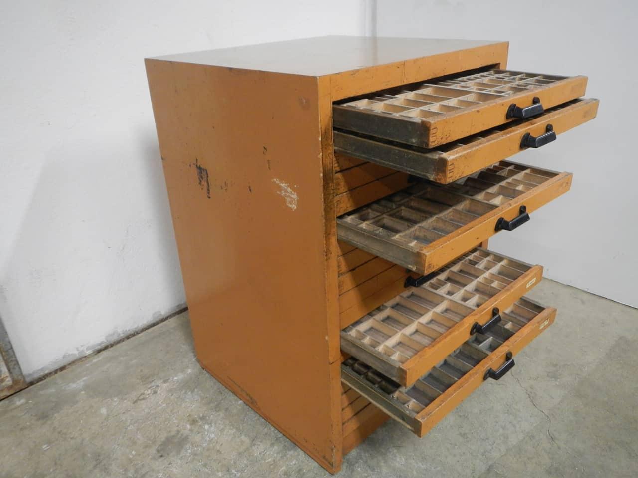 thumb4|casssettiera da tipografia anni 70