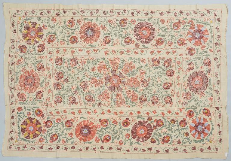 thumb4|Tessuto SUSANI in cotone con ricamo in seta
