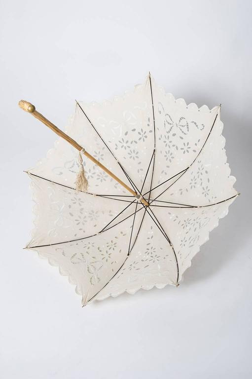 thumb3|Elegante parasole francese in tessuto ricamato
