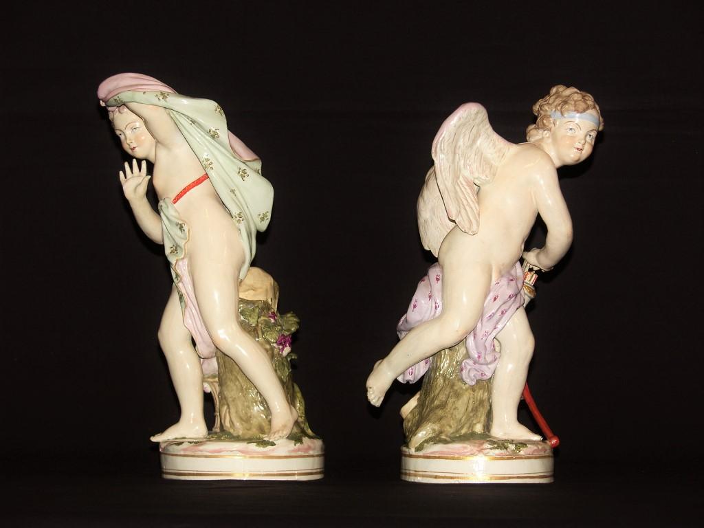 thumb2|Coppia di amori in porcellana