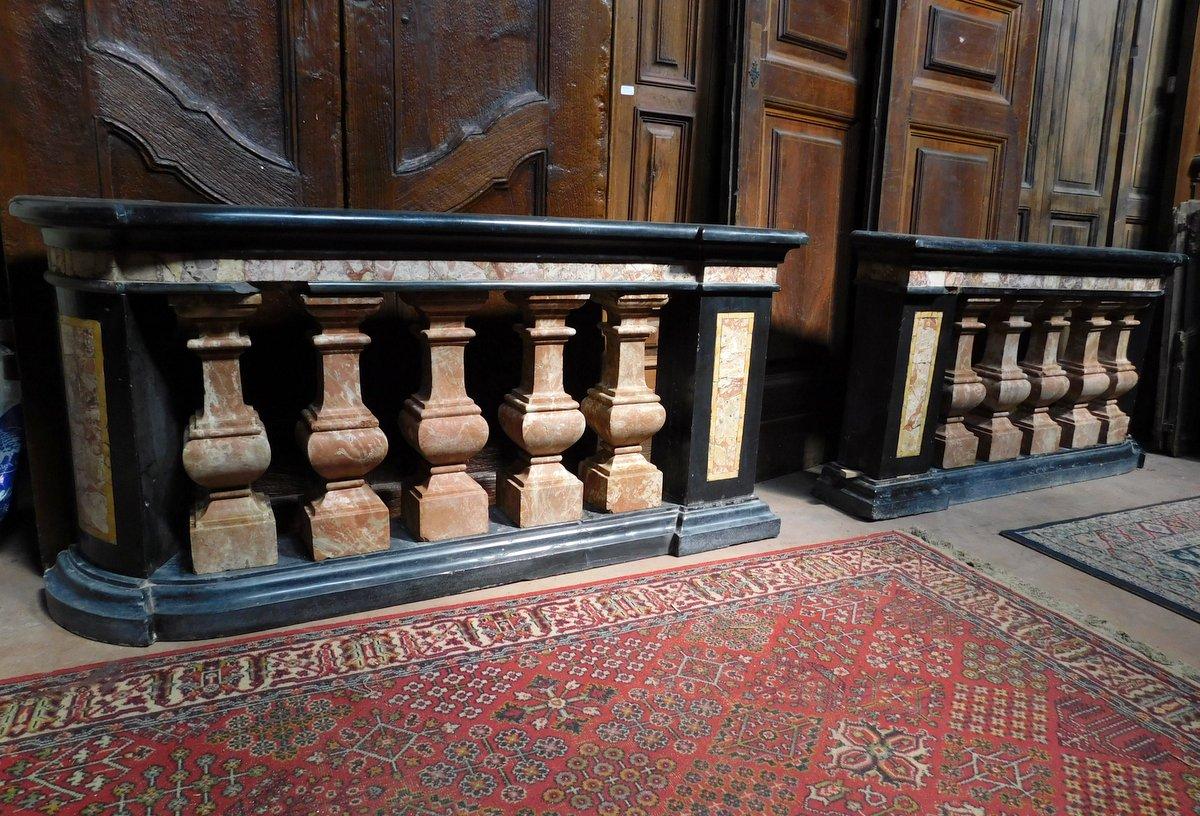 dars400 - coppia di balaustre in marmo, cm l 158 x h 78 x p. 35