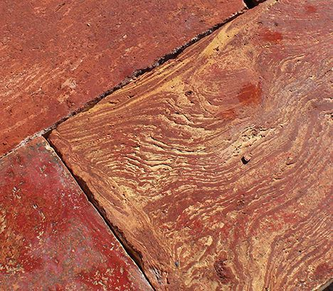thumb4|Autentico pavimento in cotto variegato lombardo