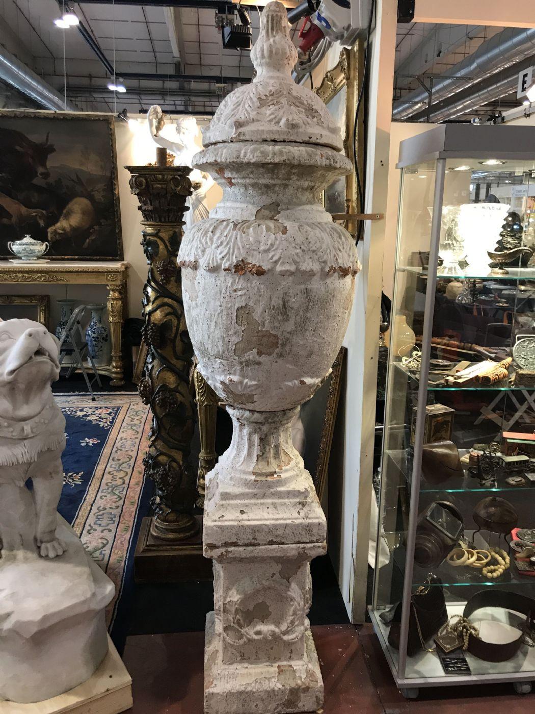 thumb2|Vasi in pietra in coppia 60x220h