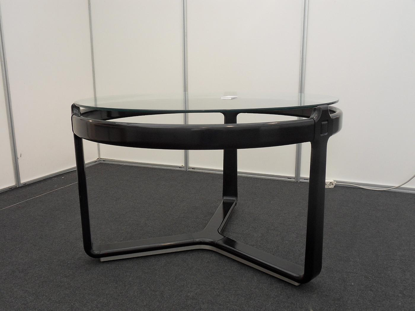 Tavolo anni 60 con piano in vetro antiquariato su for Vendita mobili modernariato