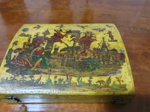 LACQUERED BOX IN POOR ART
