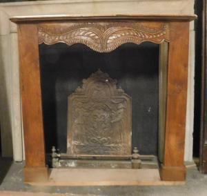 chl152 - Kamin aus Walnussholz, 18. Jahrhundert, Maße cm l 118 xh 110 x d. 23