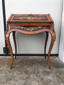 Bureau desk in bois de rose wood with inlays with floral decoration.France.Period Napoleon III.