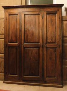 stip065 навесной шкаф из тополя с тремя дверцами, изм. высота см 235 х 184 ширина.