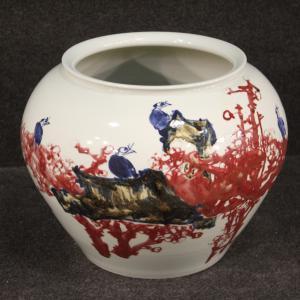 Vaso cinese in ceramica dipinta con fiori e animali