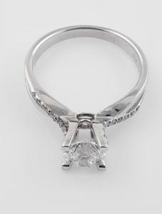 Ring aus 14 kt Weißgold mit Diamant von 1,20 ct
