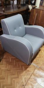 俱乐部扶手椅