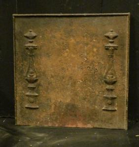 p222 cast iron plate with two columns, mis. 39 x 39 cm,