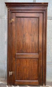 3 portas com uma folha