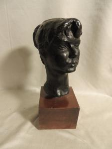 bronze; head of a young girl from Molino, h 24 cm