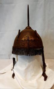 Antico elmo persiano fine XVII secolo