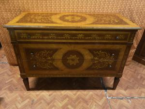 Inlaid Lombard chest of drawers