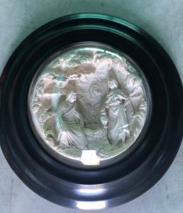 Bassorilievo in schiuma di mare ( magnesite ) raffigurante episodio biblico.Francia.