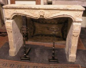 chp193 fireplace carved in stone, late eighteenth century, mis. 150 cm xh 115 cm