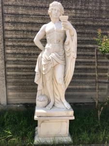 Marble statue 45x66x50h base, 40x65x180h statue