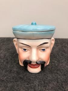 陶器鼻烟壶描绘一个汉字头...法国
