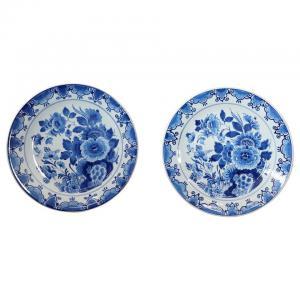 Par de platos de cerámica azul de la marca Delft 1980