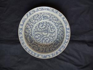 Красивая раковина из китайского фарфора эпохи Цин