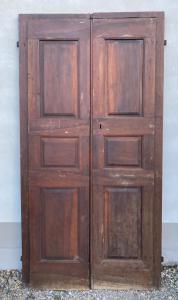 Дверь из орехового дерева