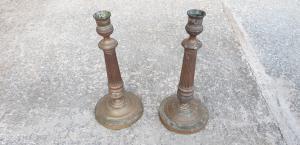 Dos candelabros de bronce Luis XVI