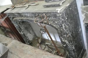 Camino antico Francia in marmo