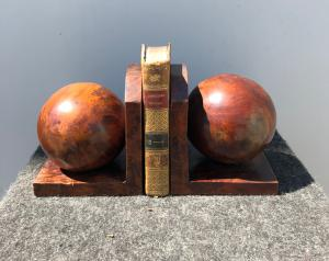 Pair of bookends in tuja briar wood, art-deco style.