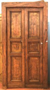 Двустворчатая лакированная дверь с коробкой