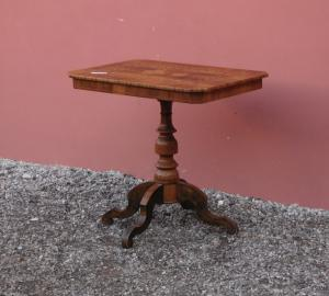 Rectangular inlaid and threaded side table, central stem, 800!