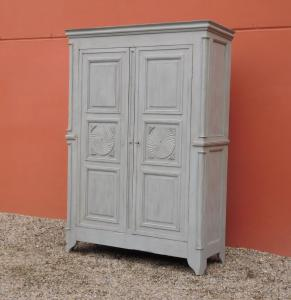 Antique wardrobe with two doors in carved wood, lacquered Shabby Chic, mid-800!