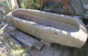 dars83 vasca in pietra - abbeveratoio- mis. cm 180x47 h33