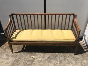 Panca - divano in legno di noce periodo direttorio.