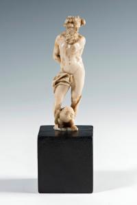 木星 - 象牙雕塑