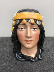 描述自由女性头的陶器鼻烟壶法国