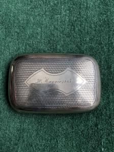 Scatolina portasigarette- tabacco in argento con motivo zigrinato,scudo con iniziali e data 30 Maggio 1883.