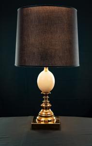 Лампа со страусиным яйцом