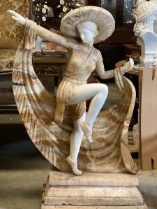 Bailarina em mármore precioso 90x30x140h