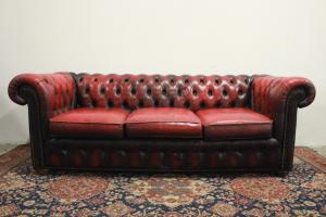 Divano 3 posti chesterfield chester inglese colore in pelle bordeaux originale