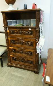 Neo-Renaissance chest of drawers