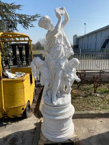 Pareja de esculturas en mármol 70x70x240h
