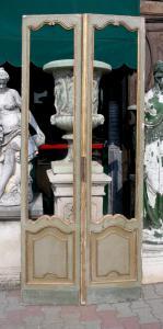 ptl520 - porta a vetri laccata a due battenti, XX secolo, misura cm l 97 x h 230