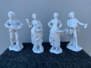 Quatro figuras populares em porcelana branca, manufatura Ginori Doccia.