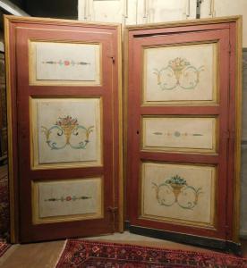 ptl368 zwei lackierte Türen mit Rahmen, mis. cm l 112/108 x h 215/213
