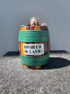 Tobacco box depicting a character bathed in a barrel. France