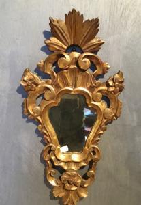 Specchierina in legno dorato a foglia oro Periodo 800