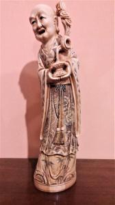 Ivory sculpture representing an oriental essay
